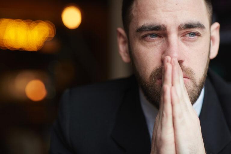 5 Alasan Mengapa Pria Perlu Belajar Menangis 1