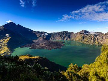 7 Geopark Luar Biasa di Indonesia yang Tak Boleh Kamu Lewatkan 4