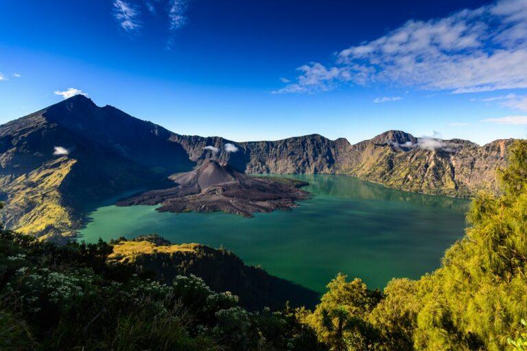 7 Geopark Luar Biasa di Indonesia yang Tak Boleh Kamu Lewatkan 1