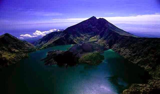 Suka Tantangan? 3 Gunung Papua Ini Layak untuk Didaki 4
