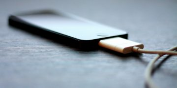 Hindari 7 Hal ini Saat Mengisi Daya Handphone 26