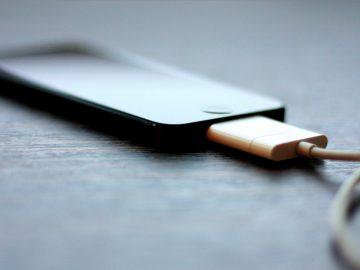 Hindari 7 Hal ini Saat Mengisi Daya Handphone 9