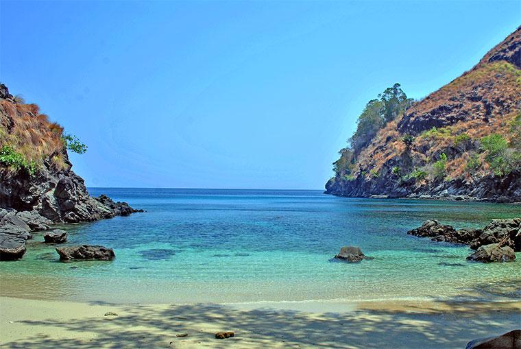 7 Pantai Cantik di Sulawesi Utara yang Mempesona 7