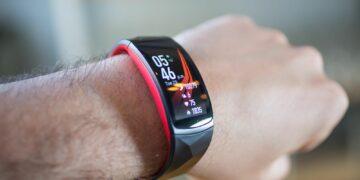 5 Smartband Keren untuk Kamu yang Aktif 20