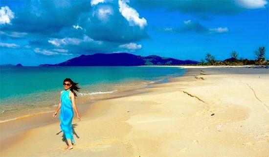 7 Pantai Indah di Kepulauan Riau yang Bikin Betah Basah-basahan 3