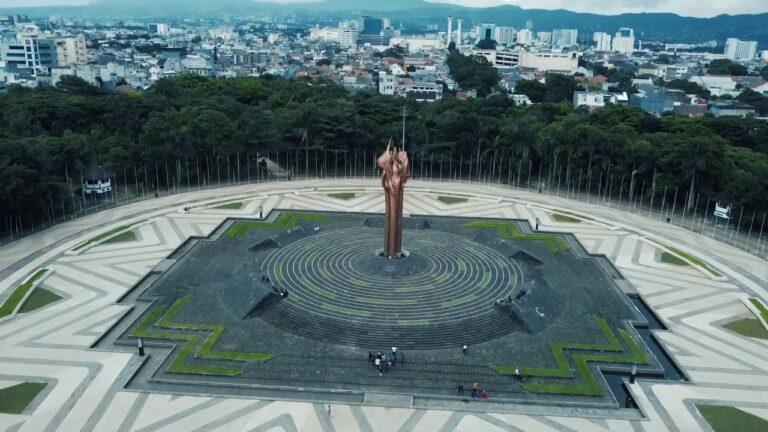 7 Tempat Wisata Bersejarah yang Perlu Dikunjungi Sekali Seumur Hidup 1