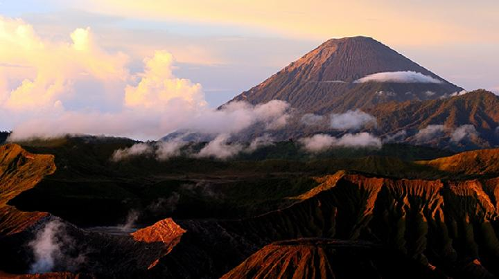 7 Tempat Mendaki Terbaik di Jawa Timur 9