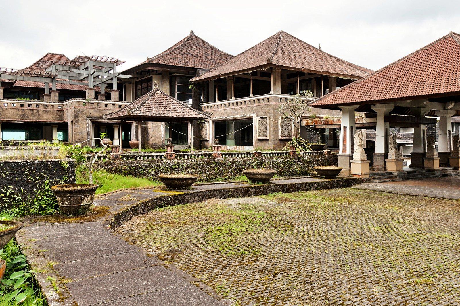 Tempat Wisata Seram Di Indonesia Yang Bikin Kamu Penasaran 3