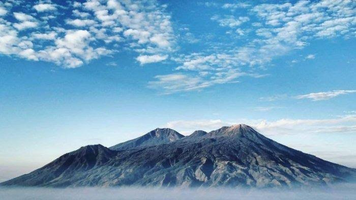 5 Gunung Tertinggi Di Pulau Jawa, Tantangan Untuk Kalian Para Pendaki 4