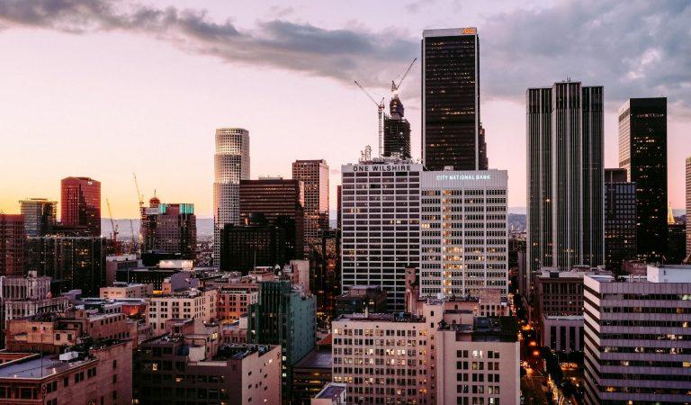 Memanusiakan Kota, Sebuah Jalan Terjal Umat Manusia