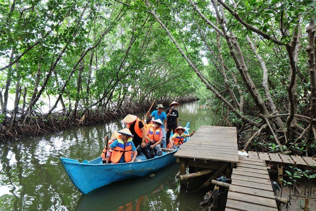 11 Wisata Hutan Mangrove yang Menarik di Indonesia 7