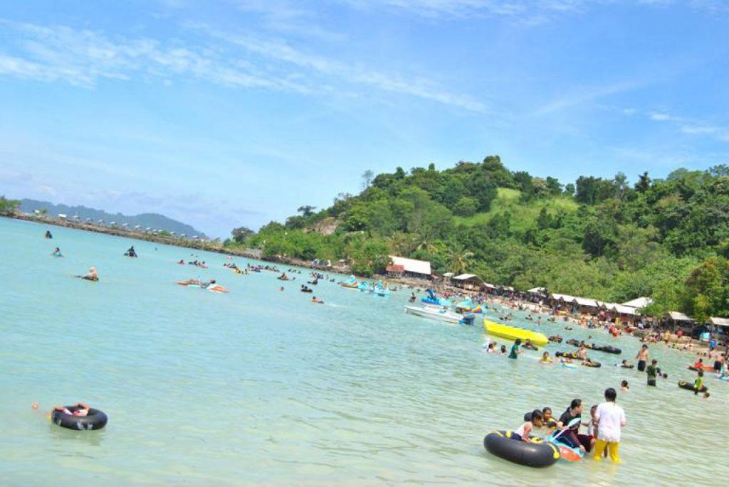 7 Pantai Terindah di Lampung yang Cocok Buat Liburan 6