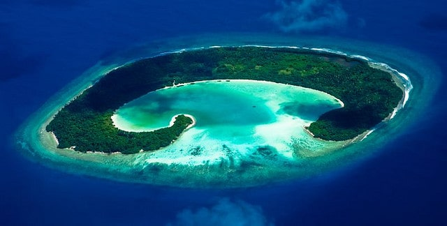 5 Pantai Terbaik Di Pulau Jawa 5