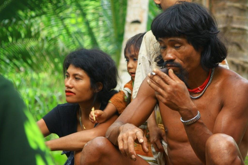 Beberapa Suku Marjinal di Indonesia 16