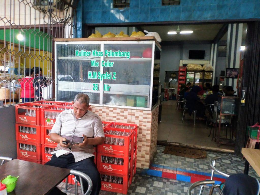 Mie Celor H.M Syafei Z yang Terkenal Di Kota Palembang, Kua Ebinya Bikin Lidah Bergoyang 3