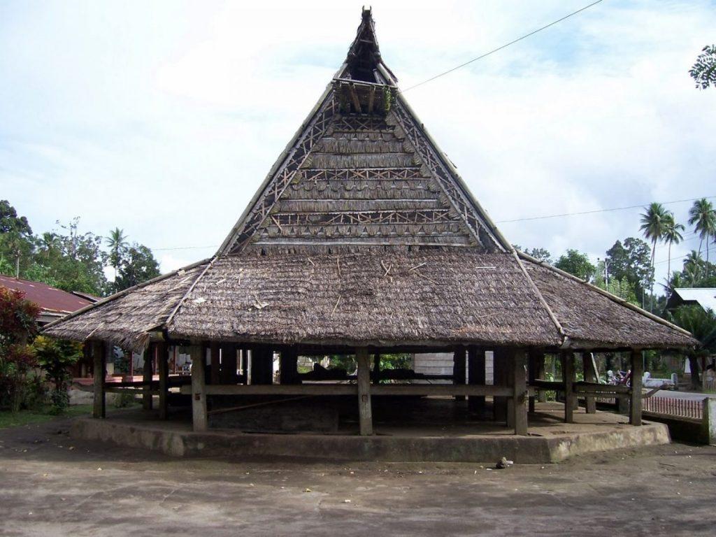 3 Jenis Rumah Adat Maluku 3