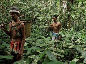 Beberapa Suku di Indonesia Yang Terpinggirkan 7