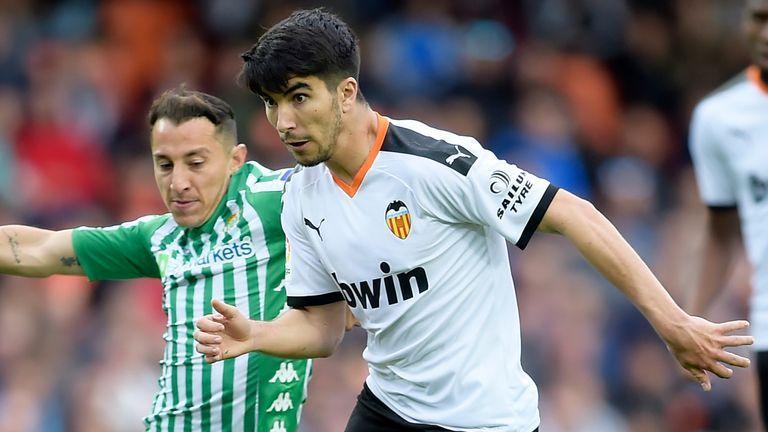 Butuh Gelandang Kreatif, Arsenal Bidik Soler dari Valencia 5