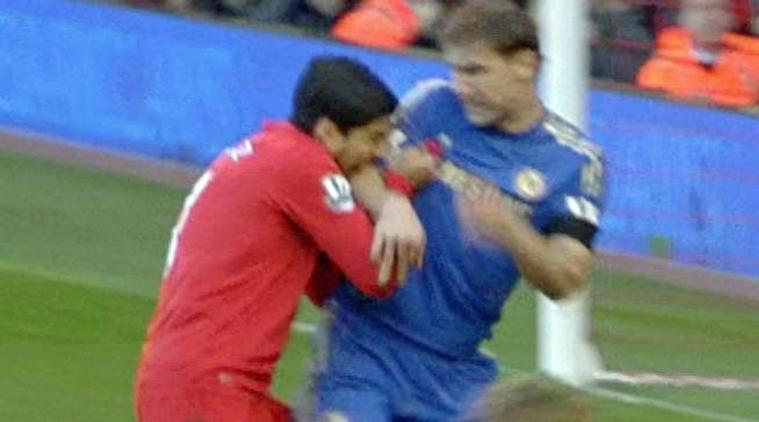 7 Pemain Sepakbola yang Terkenal Barbar, Berani Lawan? 8