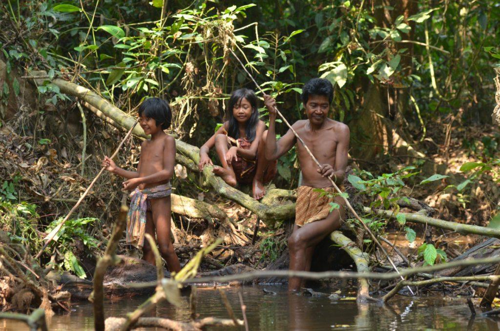 Beberapa Suku Marjinal di Indonesia 19