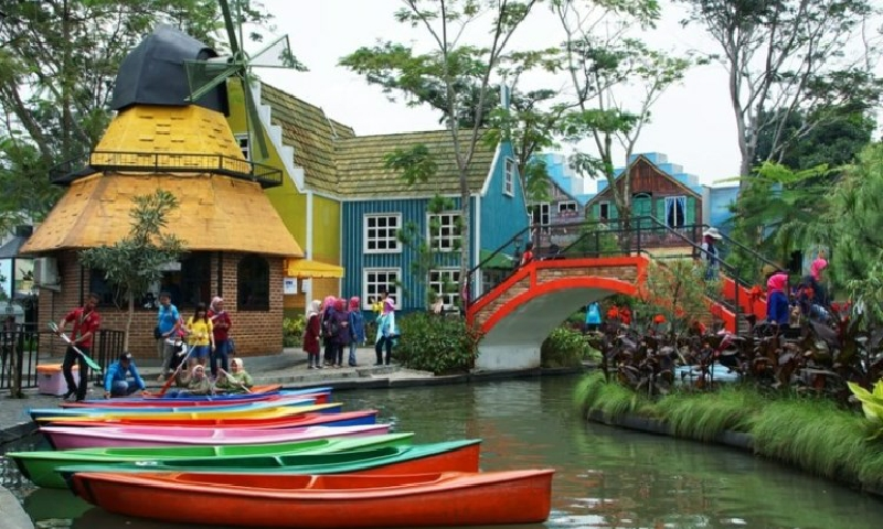 Berwisata Ala Eropa Di Devoyage Bogor, Jawa Barat 3