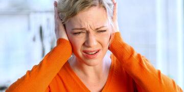 Telinga Berdengung, Benarkah Ada Yang Tengah Membicarakan Kita? 15