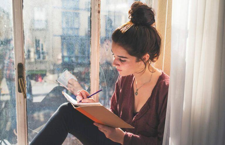 Cara Memperoleh Uang dari Kegiatan Menulis 1