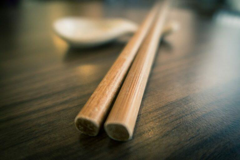 Mengapa Sumpit Lebih Populer Daripada Sendok Pada Orang China? 1