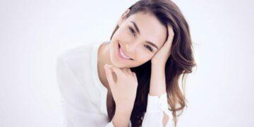 "5 Aktris Cantik Hollywood yang Dijuluki ""Wanita Terseksi Sedunia"" 19"