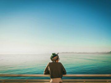 Mengapa Kesepian di Tengah Keramaian? 14