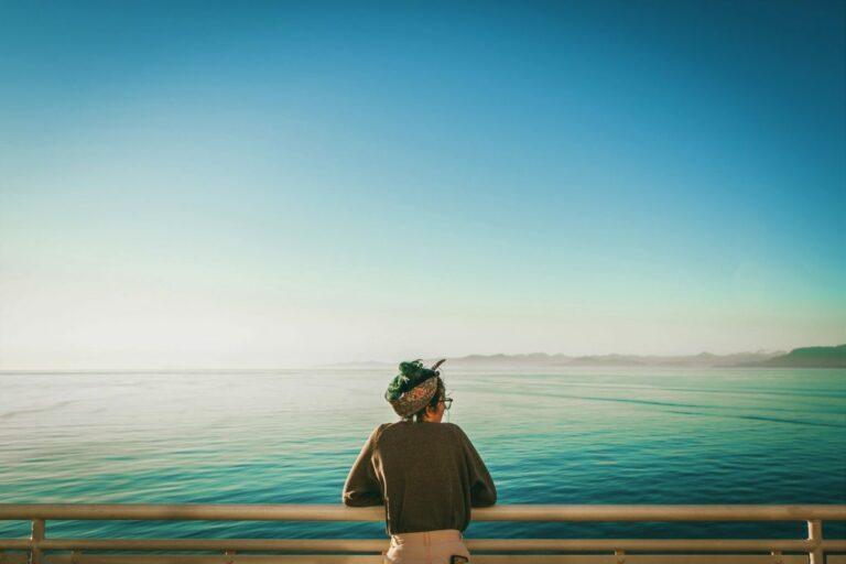 Mengapa Kesepian di Tengah Keramaian? 1