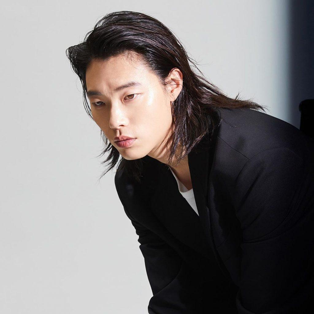 Oppa Selebritis Korea Yang Menawan Dengan Rambut Gojesnya 4
