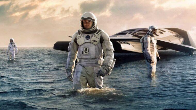 5 Rekomendasi Film Terbaik Karya Christopher Nolan, Penuh Plot Twist! 5