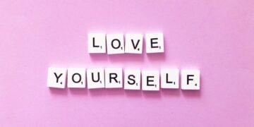 Cintai Dirimu Sendiri Sebelum Mencintai Orang Lain 16