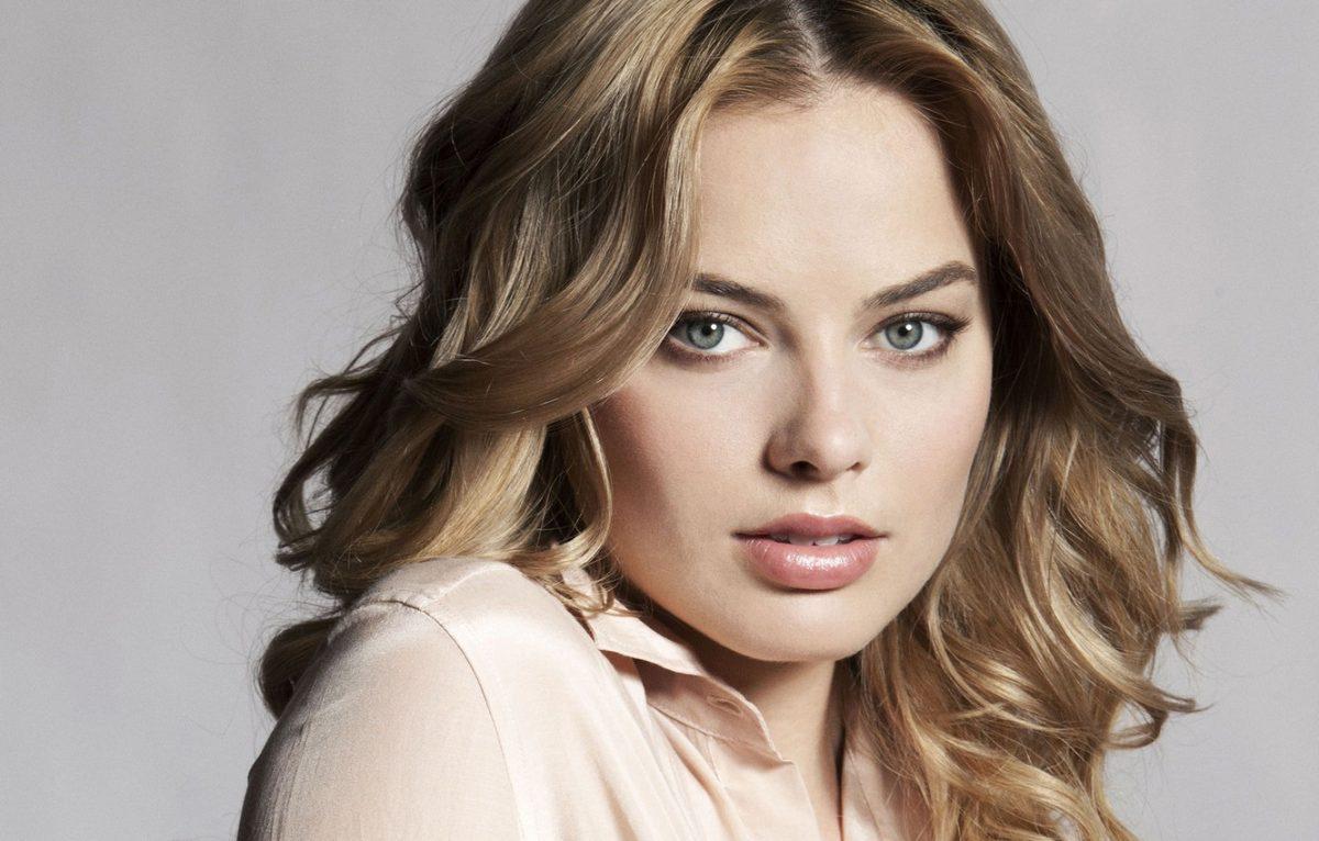 "5 Aktris Cantik Hollywood yang Dijuluki ""Wanita Terseksi Sedunia"" 3"