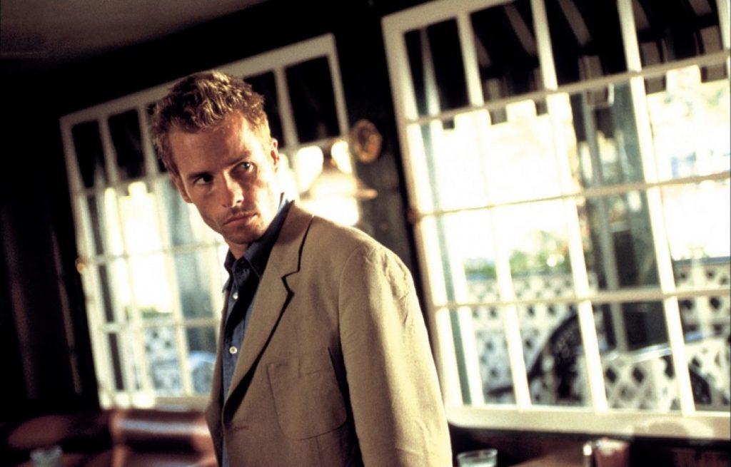 5 Rekomendasi Film Terbaik Karya Christopher Nolan, Penuh Plot Twist! 3