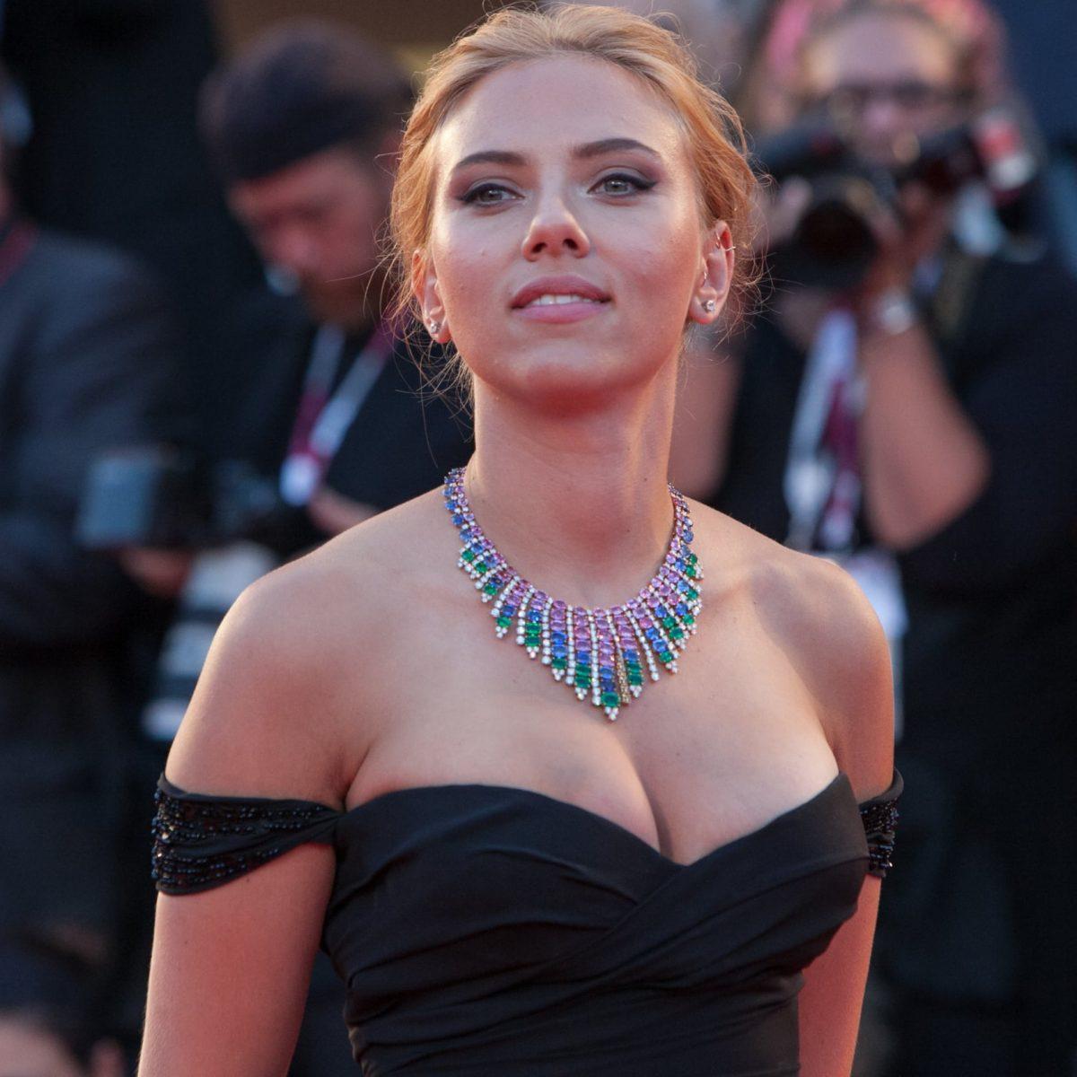 "5 Aktris Cantik Hollywood yang Dijuluki ""Wanita Terseksi Sedunia"" 7"