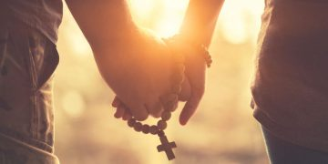 Apa Saja Budaya Kasih Orang Kristen? 5 Fakta Alkitab 24