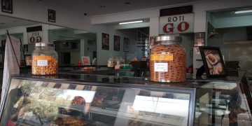 Detektif Wisata: Ternyata Ada 12 Toko Roti Yang Seumur Indonesia 20