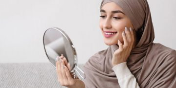 Tips Memilih Produk Kosmetik yang Halal dan Aman Saat Digunakan 22