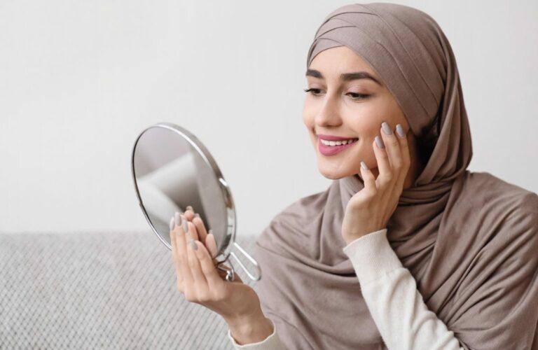 Tips Memilih Produk Kosmetik yang Halal dan Aman Saat Digunakan 1