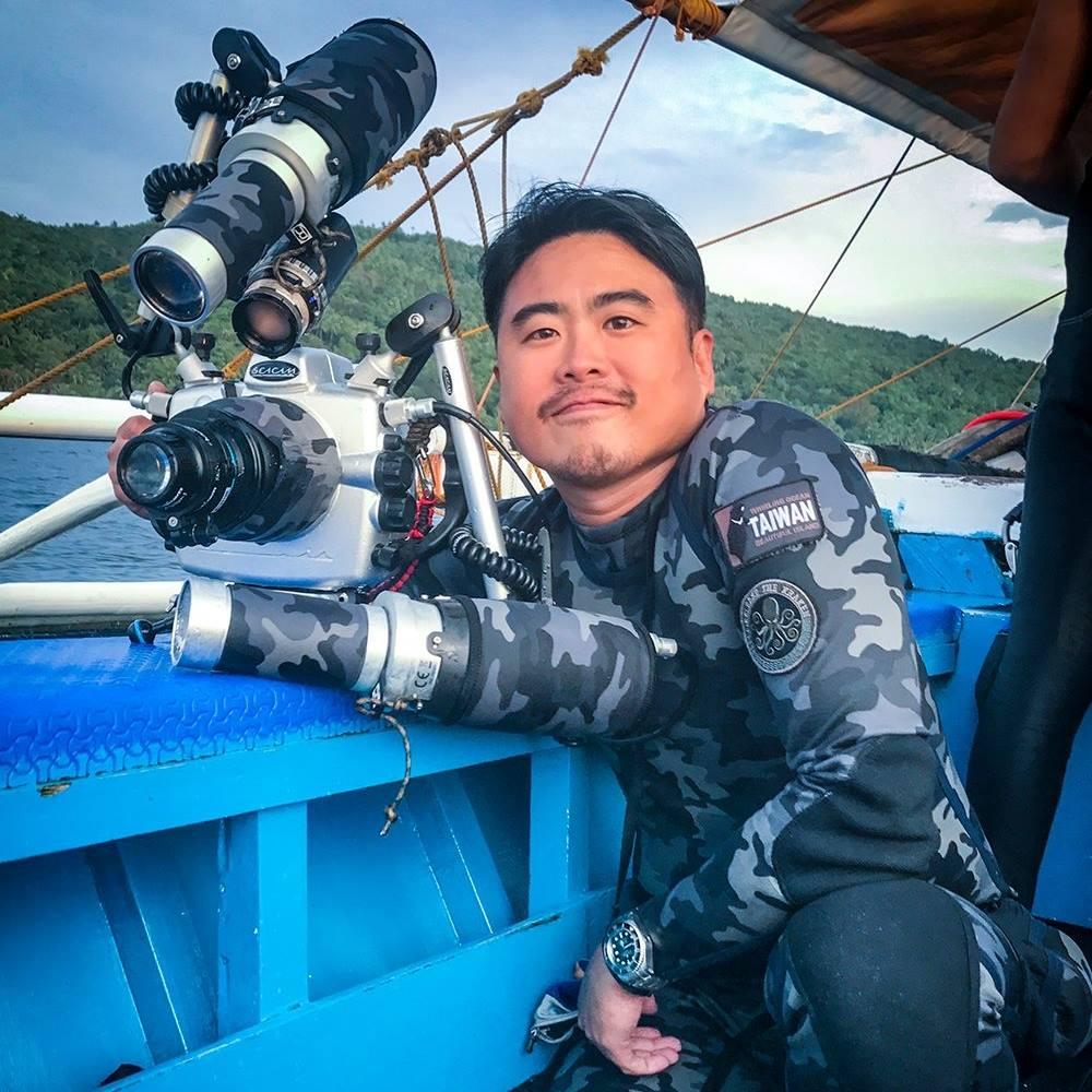 """Wawancara My Modern Met dengan Wu Yung-Sen, Fotografer """"Alien"""" Blackwater 3"""