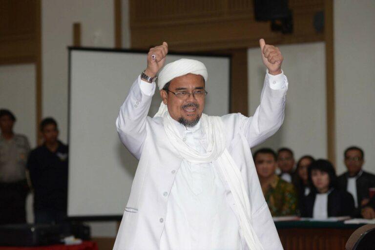 Massa Menuntut Habib Rizieq Dibebaskan, Apa Boleh? 1