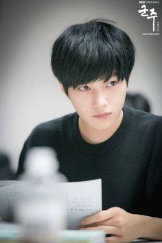 6 Alasan L aka Kim Myung Soo Harus Jadi Biasmu 8