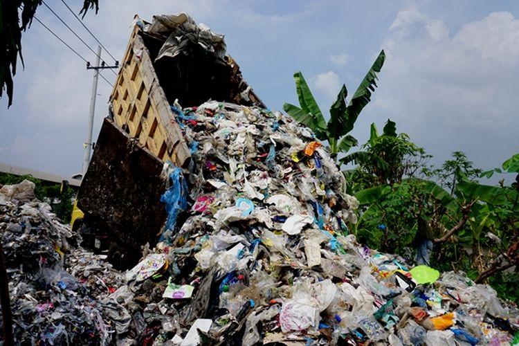 Mengapa Kita Tidak Membuang Sampah ke Gunung Berapi? 3