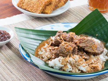 Harus tau! 5 masakan nasi khas jawa tengah yang bikin ngiler 15