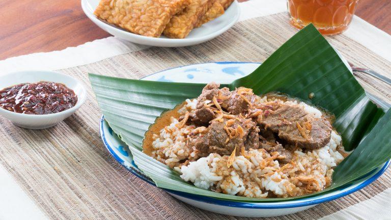 Harus tau! 5 masakan nasi khas jawa tengah yang bikin ngiler 1