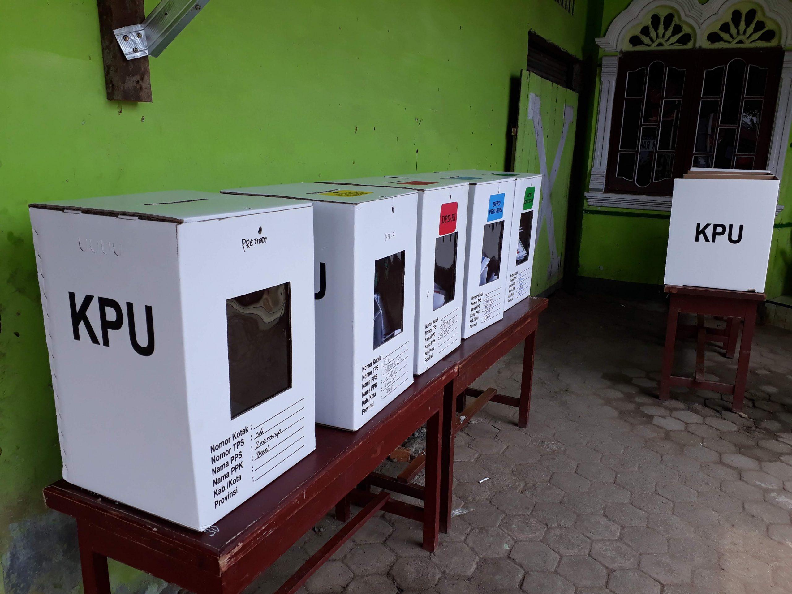 Kotak suara yang digunakan untuk pemilu di Indonesia
