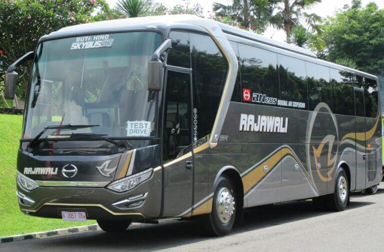 5 Alasan Sasis Bus Hino Laku Keras Di Pulau Jawa 1