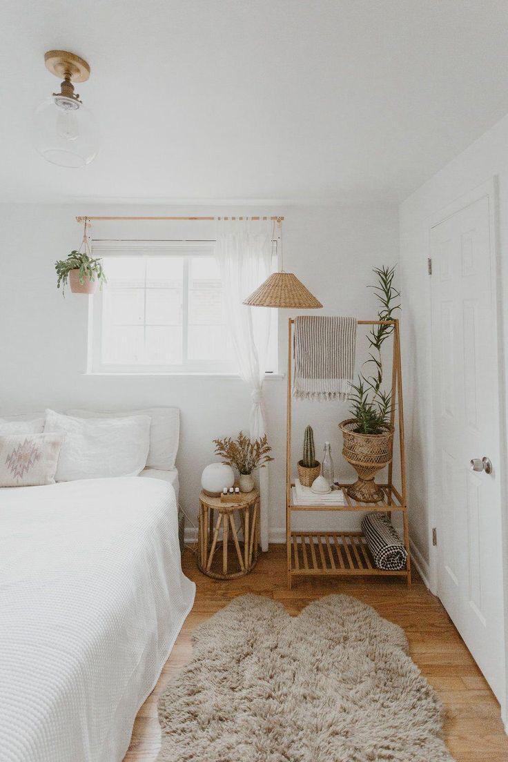 8 Rekomendasi Barang Dekorasi Untuk Hias Kamar Tidur Kamu ala Pinterest. Minimalis dan Estetik Banget! 4